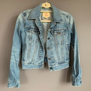 Levi's Jackets & Coats - Levi's Denim/Jean Jacket XS